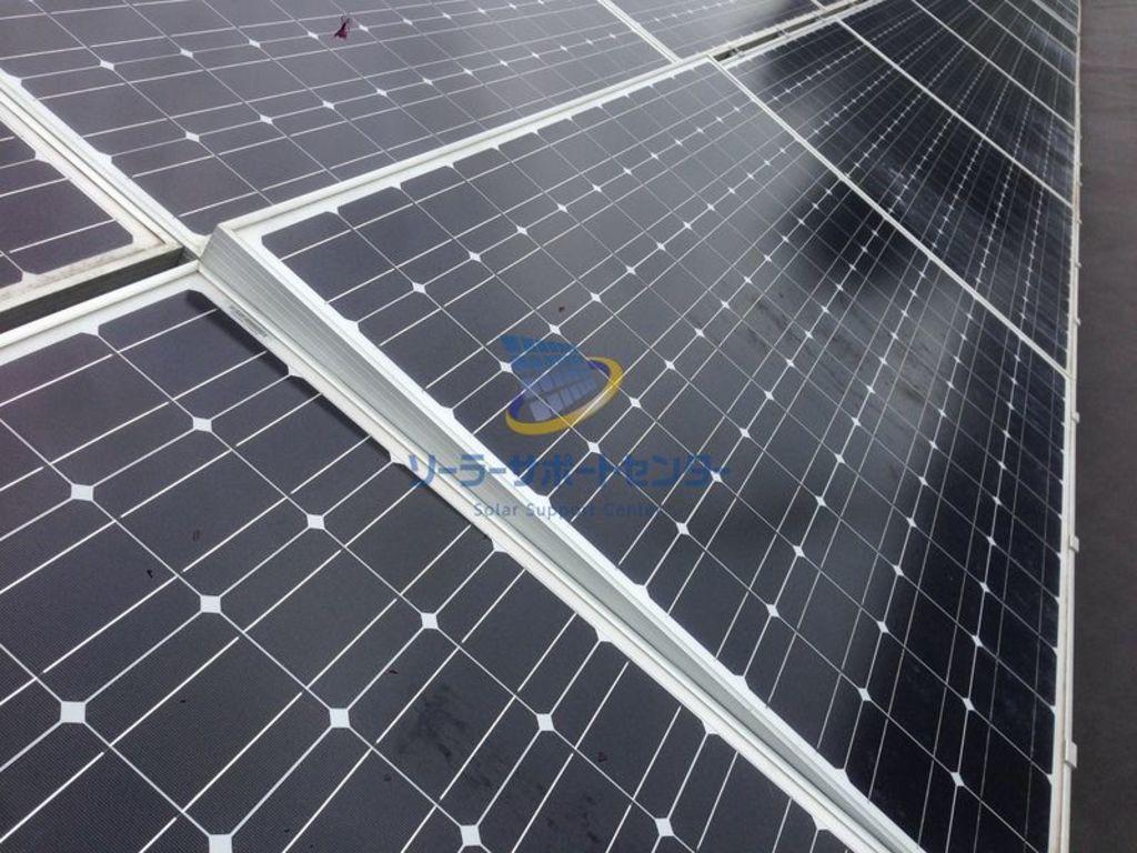野立て太陽光発電架台が外れて浮いた架台