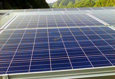 太陽光パネルの通常写真、温度分布写真との比較用