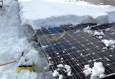 野立て太陽光発電の雪下ろし