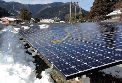 雪下ろしが終わった太陽光発電