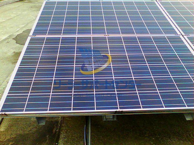 太陽光パネル通常写真 サーモグラフィーとの比較用
