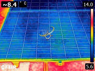 太陽光パネルサーモグラフィー画像
