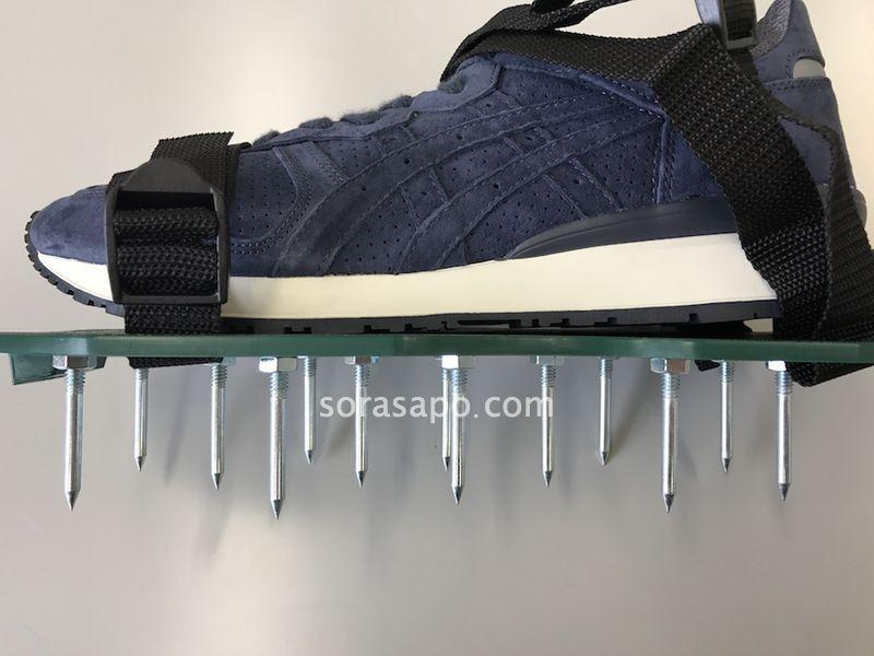 靴に装着するだけで簡単にエアレーションができる道具